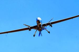 Великобритания будет защищать морские границы от мигрантов с помощью дронов